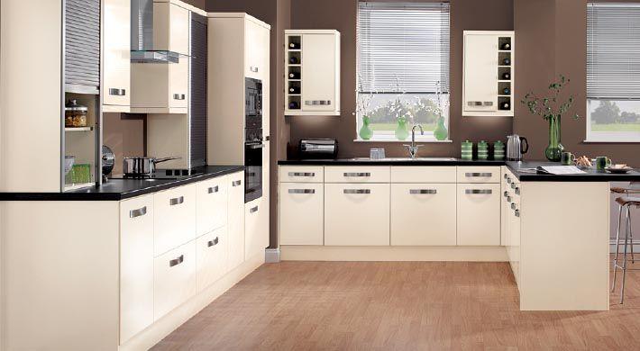 Кухні на замовлення модерн з чорною столешнею