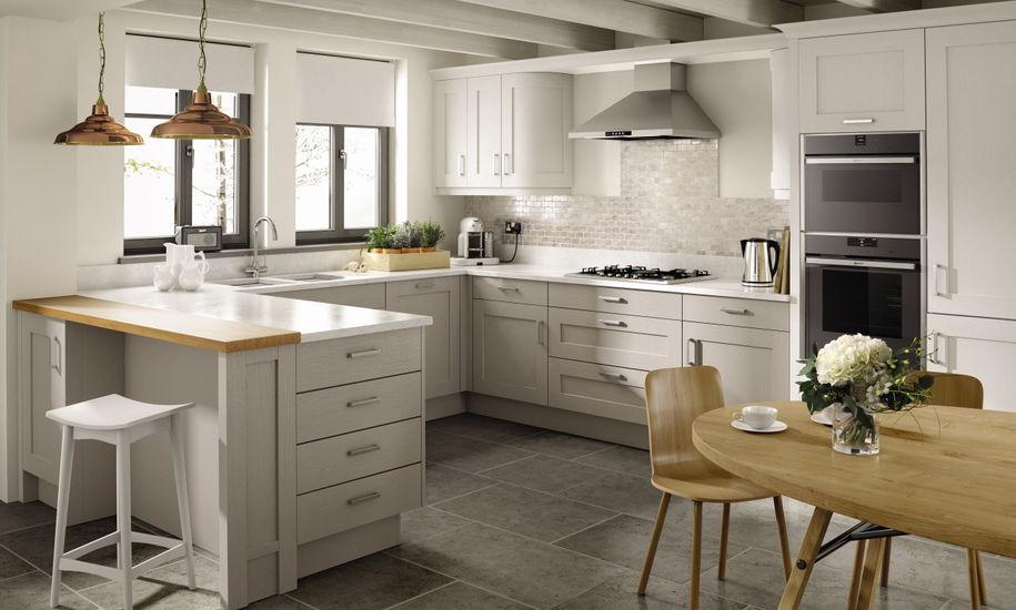 Кухні в білих тонах на замовлення фото