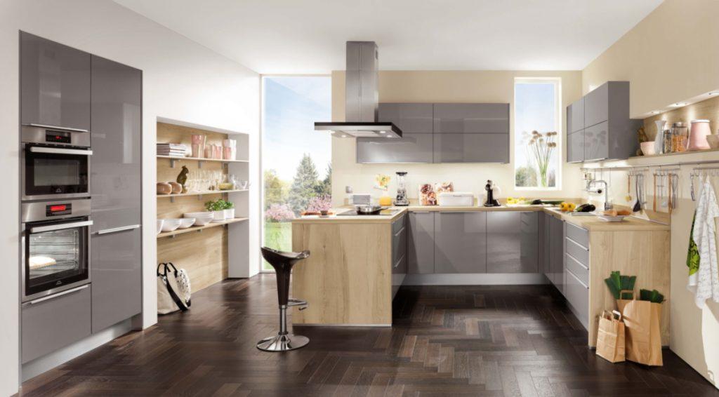 Кухні на замовлення світле дерево та сірий колір