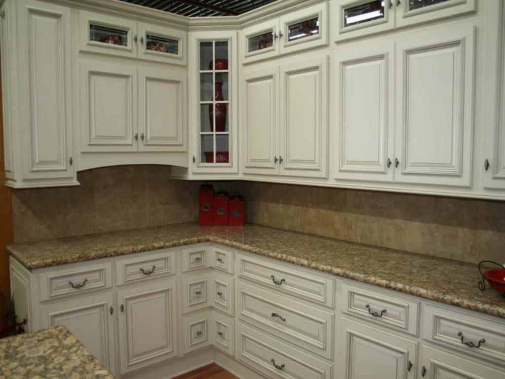 маленькі кухні на замовлення фото