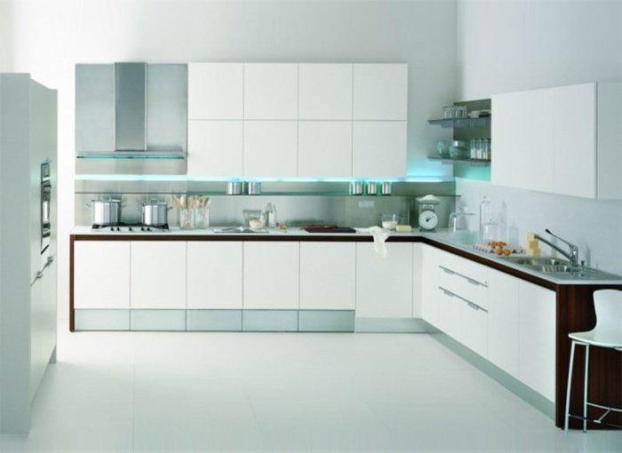 Білі кухні хай-тек