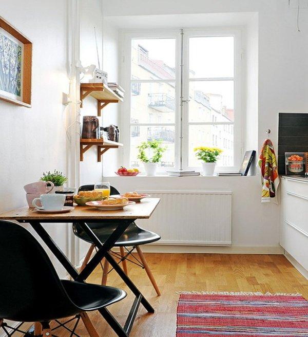 столик на кухні