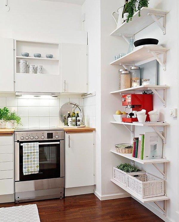 малі кухні з полицями