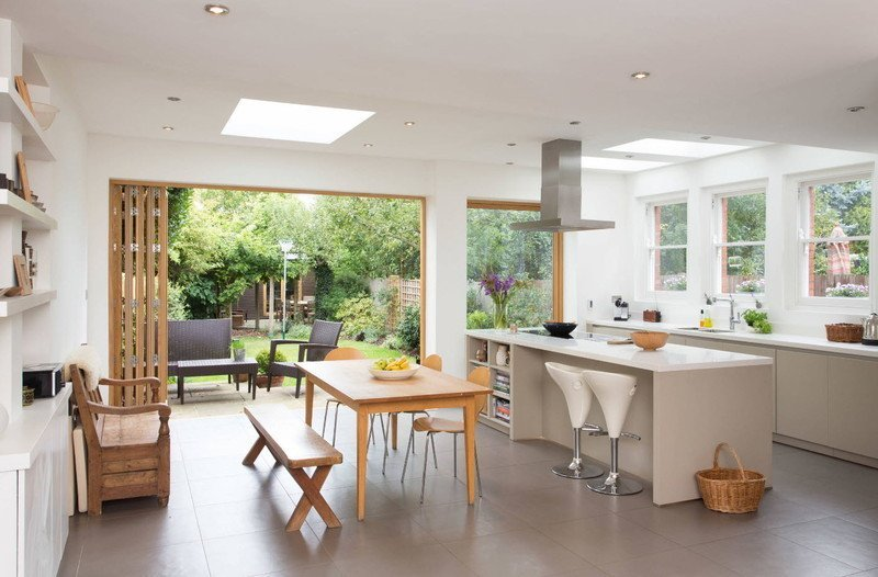Кухня світле дерево