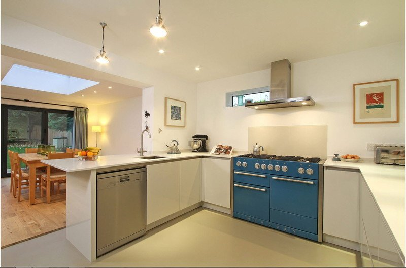 Кухня біло-синя