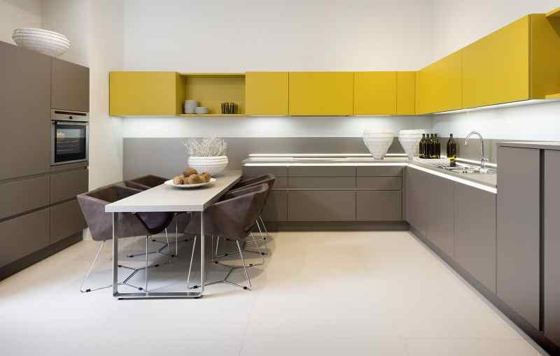 Кутові кухні на замовлення фото Кухні.IF-20