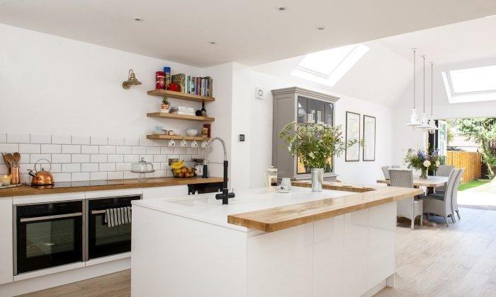 Біла кухня на замовлення фото
