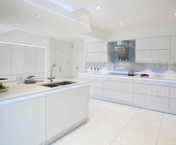 Біла кухня на замовлення фото4