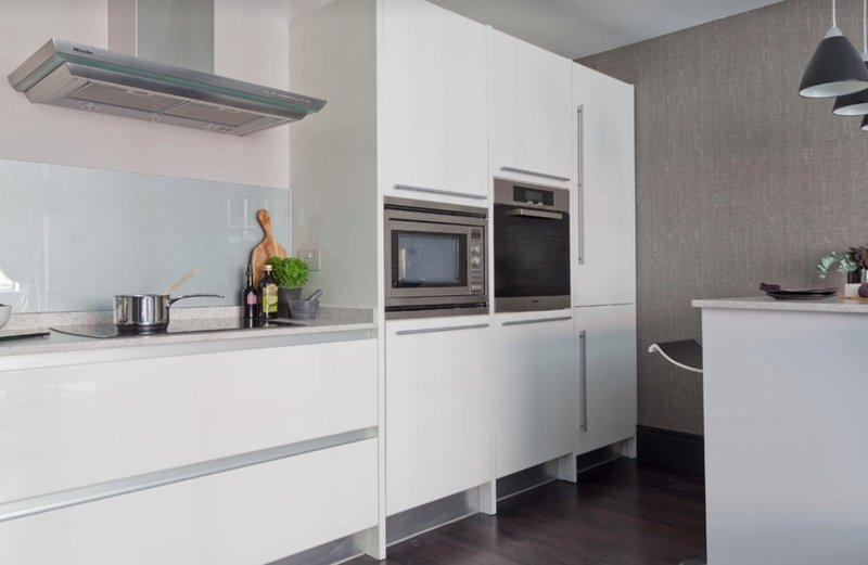Кухні у стилі мінімалізм фото